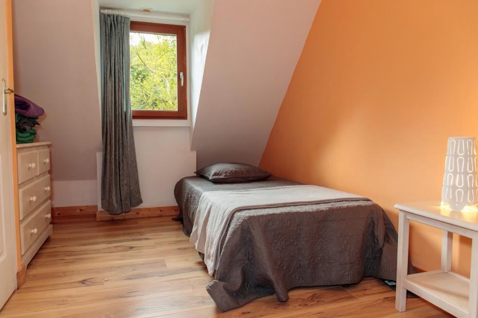 Chambre 10 – 2 lits simples et salle d\'eau commune – 1er Etage ...